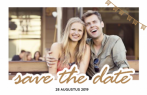 Save the date kaart met fotokader en tekst
