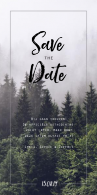 Save the date kaart met bomen in de mist